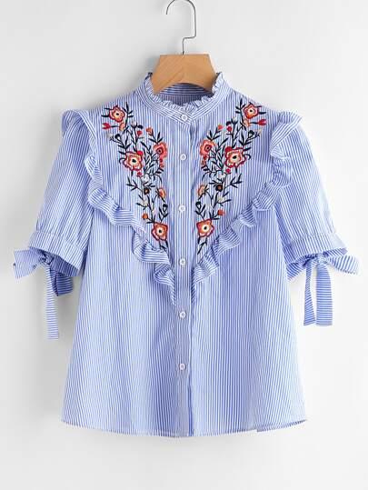 Blusa de rayas de bordado de canesú con cordones