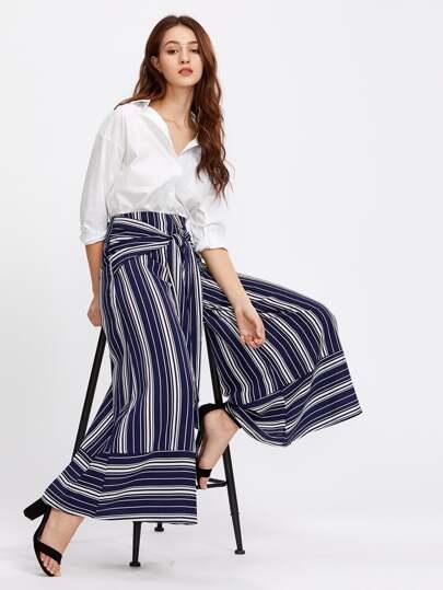 Pantalones de rayas con cordón