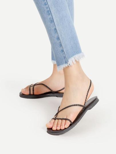 Sandalias de tirante trenzado con tira en el dedo