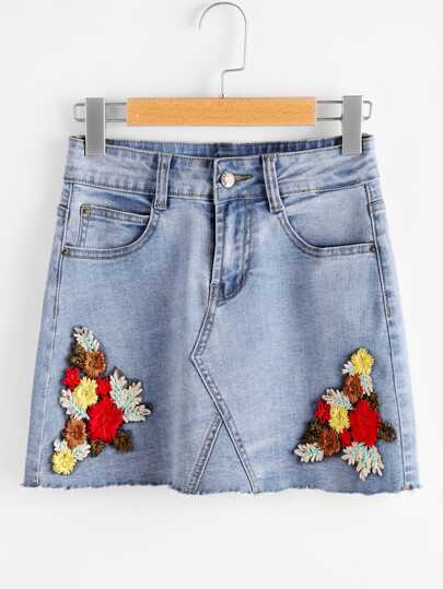 Flower Embroidered Raw Hem Light Wash Denim Skirt