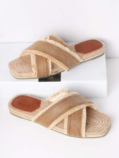 Sandales tissé croisé métallique avec des perles