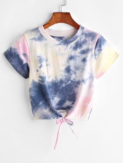 Camiseta corta con nudo delantero estampada de tie dye