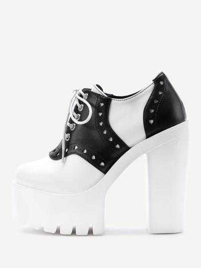 Chaussures à talons à lacets à deux tons
