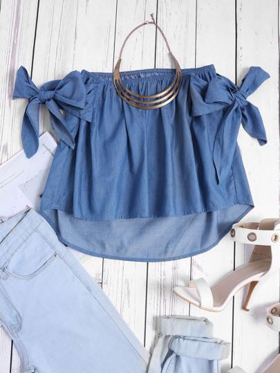 Schulterfreie Bluse mit Schleife und Chambrazdesign