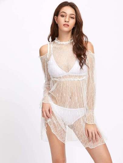 Schulterfreies Kleid mit Spitzen