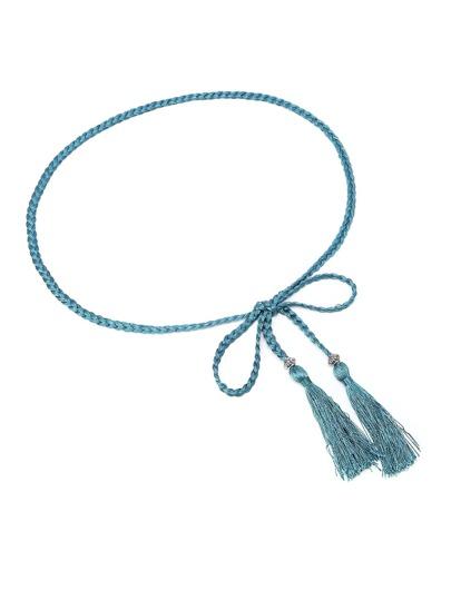 Cinturón trenzado con detalle de borlas