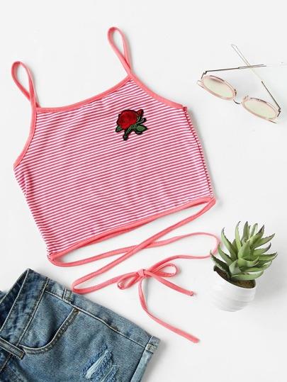 Top à bretelle rayure avec pièce de rose