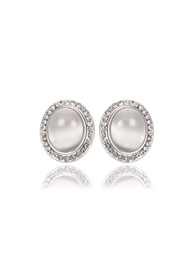 Faux Pearl Design Stud Earrings