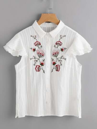 Bluse mit symetrischer Blumen Stickereien und geschichter flatterndehülse