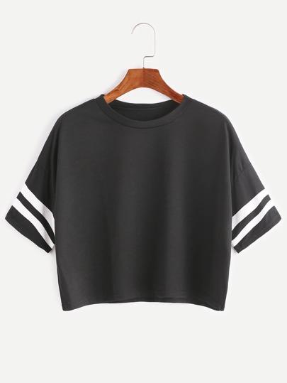 Schwarzes gefallenes Schulter-Naht-Uni-gestreiftes Ernte-T-Shirt