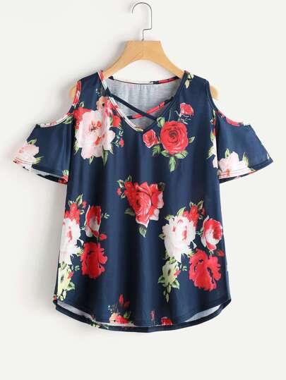 Tee-shirt col en V épaules dénudées imprimé fleuri