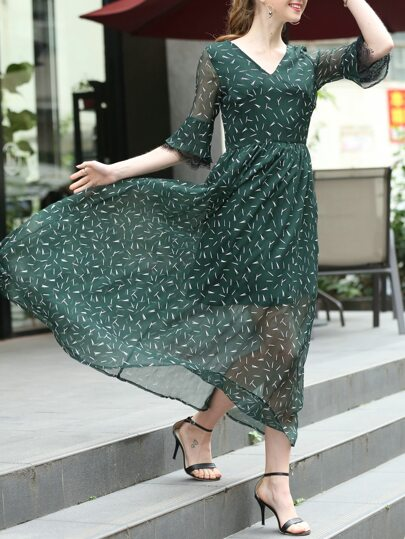 V Neck Bell Sleeve Match Print Dress