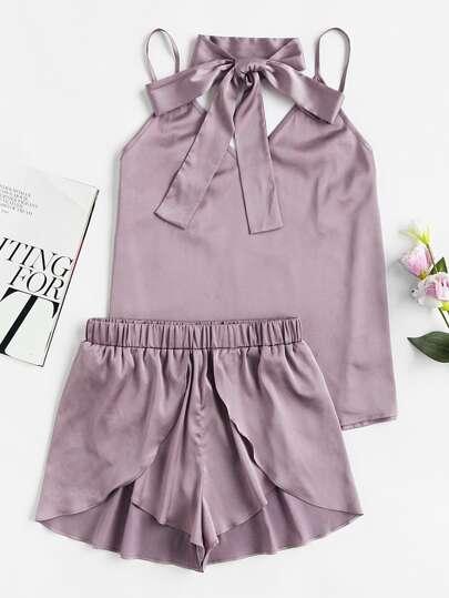 Модная пижама на бретельках
