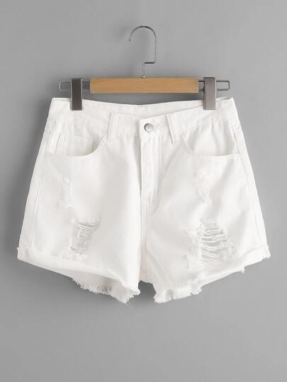 Jeansshorts mit 5 Tasche und Rissen