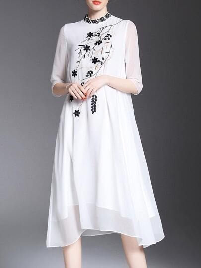 Leaves Embroidered Shift Dress
