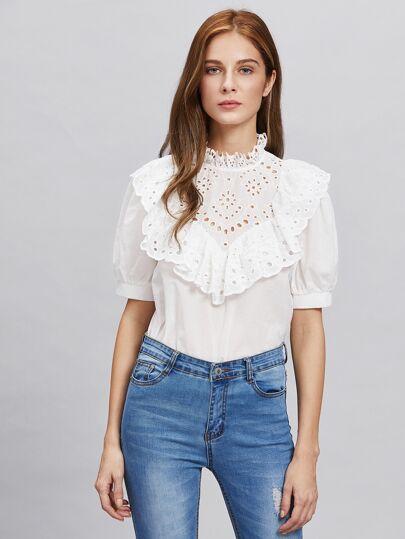 Модная блуза с вышивкой