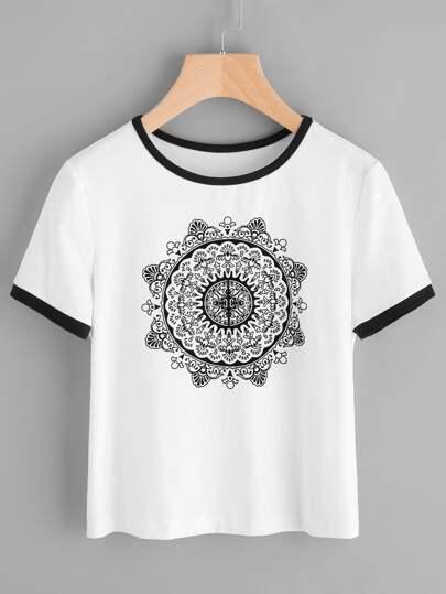 T-shirt con stampa di mandala