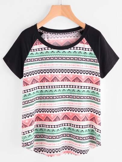 Tee-shirt bicolore imprimé tribal manche reglan