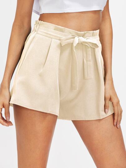 Shorts de fruncido con cordón en la parte delantera