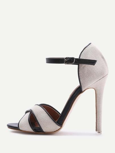 Sandales à talons croisé