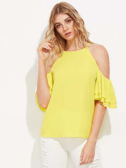 Schulterfreie Bluse mit mehrlagigen Flatterndehülsen