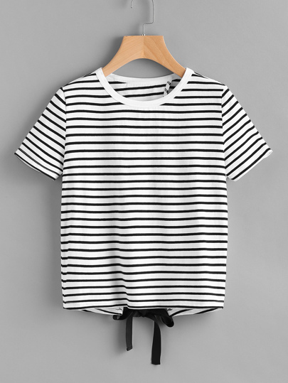 Tee-shirt à rayures avec nœud papillon