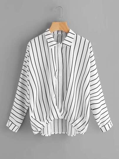 Bluse mit abfallendem Saum und Streifen