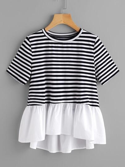 T-shirt a strisce con bordi a fronzolo a contrasto