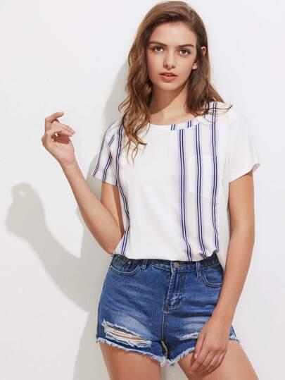 Camiseta de rayas verticales con bolsillo