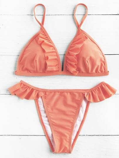 Ensemble de bikini triangle avec des plis