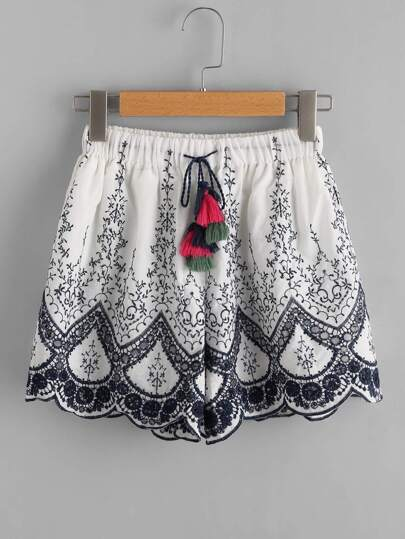 Tassel Tie Embroidered Scallop Hem Shorts