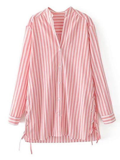 Vestido camisero de rayas verticales con cordones en la parte lateral
