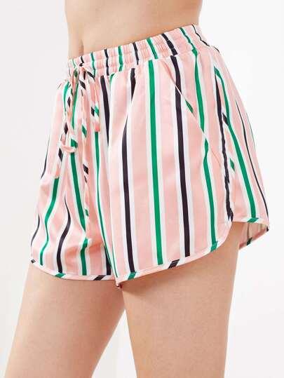 Shorts mit Tasche, Kordelzug und Streifen