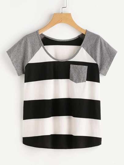 Camiseta de rayas anchas de manga raglán