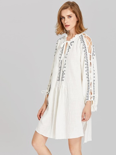 Lace Up Split Sleeve Embroidery Dress