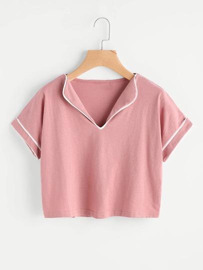 Camiseta con ribete en contraste