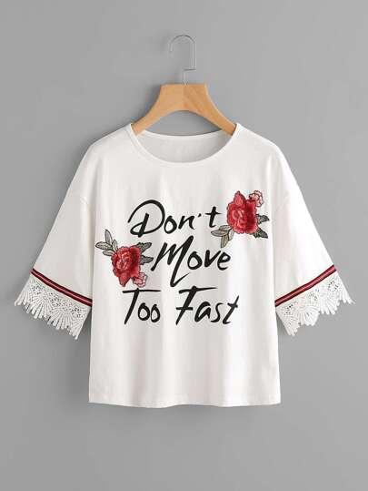 Grafik T-Shirt mit Spitzen und Rose Patch