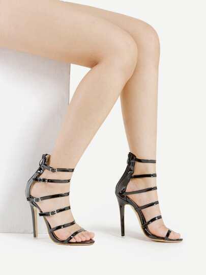 Sandalias de tacón alto con adorno de hebilla