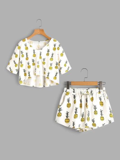 Asymmetrisches T-Shirt mit Ananasmuster und Shorts Pajama Set