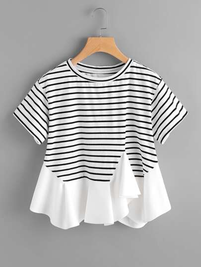 Tee-shirt asymétrique découpé à rayures avec des plis