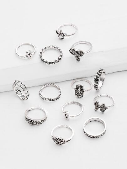 Ensembles d\'anneaux en forme de fleur et couronne royale