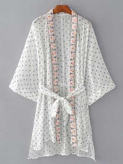 Kimono abierto en la delantera con bordado con cordón