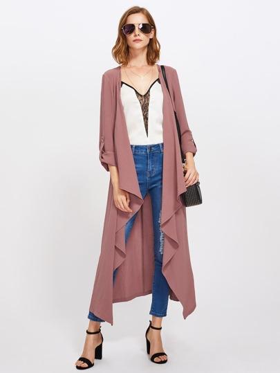 Cappotto con maniche con risvolto