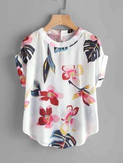 Blusa con estampado floral al azar con bajo curvo con bocamanga enrollada