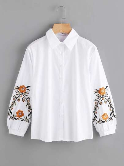 Blusa con bordado simétrico con manga farol