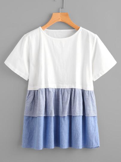 T-shirt con volant a strisce