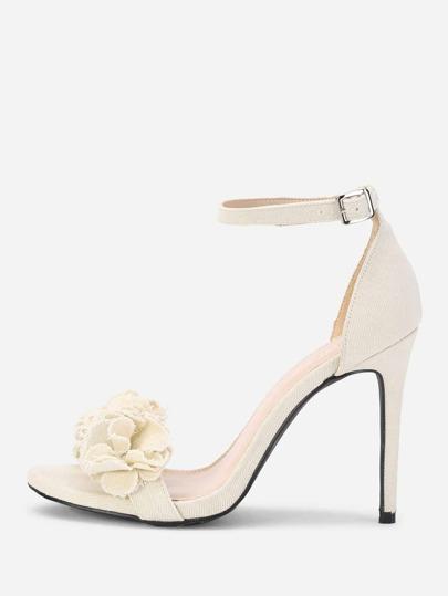 Sandales à talons hauts design de fleur avec bande de cheville