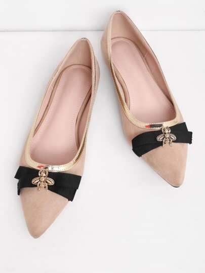 Bee Detail Pointed Toe Piping Flats