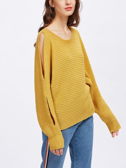 Maglione con maniche con spacco