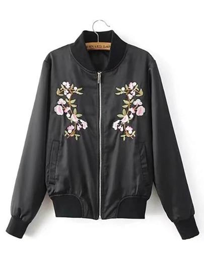 Модная куртка с цветочной вышивкой